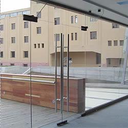 la regulacion y reparacion de puertas templadas y cajas hidraulicas la